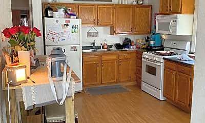 Kitchen, 8 Lake St, 1