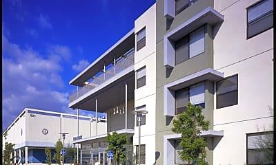 Building, 510 E 3rd St, 1