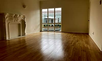 Living Room, 1623 Hillhurst Ave, 0
