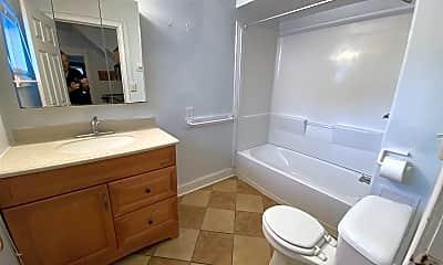 Bathroom, 516 Walnut St, 2