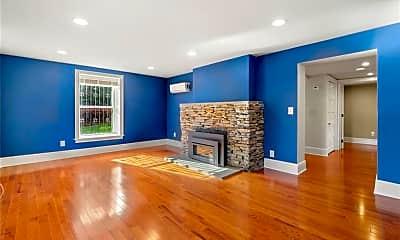 Living Room, 20 Charter Oak Pl A, 2