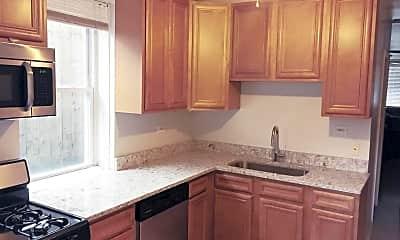 Kitchen, 1141 W Addison St, 1