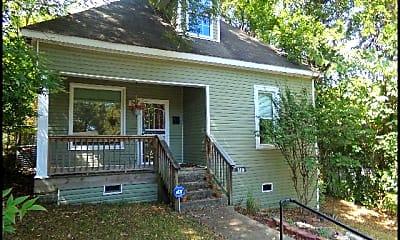 Building, 320 S Oak Street, 1