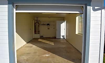Bathroom, 5291 N Robert Rd, 2