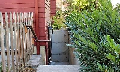 Patio / Deck, 4729 NE 13th Ave, 1