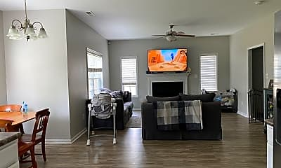 Living Room, 615 Stagecoach Dr, 1