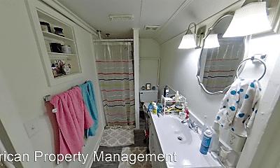 Bathroom, 810 Osage St, 2