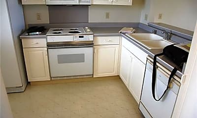 Kitchen, 94-828 Lumiauau St Q202, 1