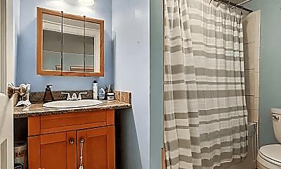 Bathroom, 2617 S Robertson St, 1