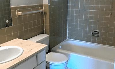 Bathroom, 4625 N 56th St, 1