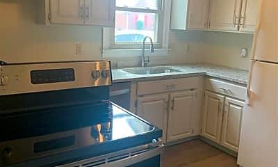 Kitchen, 371 Chickadee Cove, 2