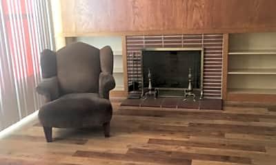 Living Room, 1750 Palou Ave, 2