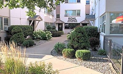Kohl Apartments, 1