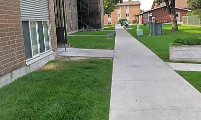 Council Groves Apartments, 2