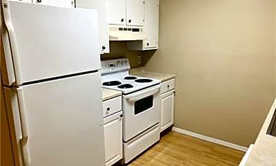 Kitchen, 140 Jennifer Ln, 2