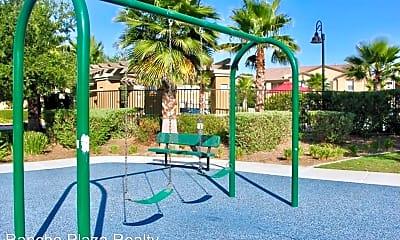 Playground, 43124 Avenida Cielo, 2