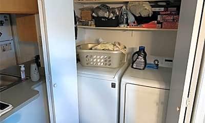 Kitchen, 625 E Renfro St A, 2