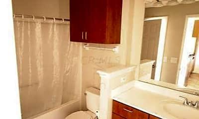 Bathroom, 120 E Mound St 120-2, 2
