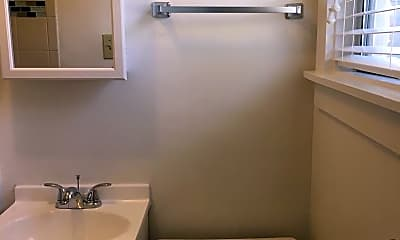 Bathroom, 1410 G St, 2