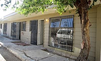 Building, 219 Dallas St NE, 2