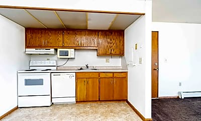 Kitchen, 915 7th St S, 1