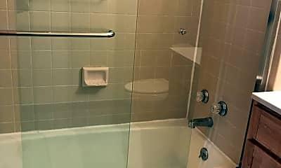 Bathroom, 2943 MacArthur Blvd, 2
