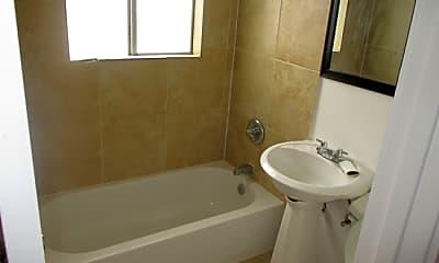 Bathroom, 2411 Bastrop St, 1