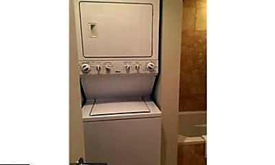Bathroom, 1524 Independence Ave SE 303, 2