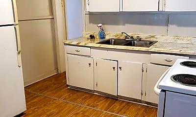 Kitchen, 3077 Greenwood Ave, 1