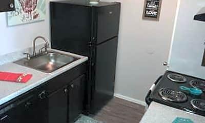 Kitchen, Stoneridge @ 36th, 2