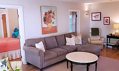 Living Room, 23 Roundy St 1, 1