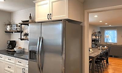Kitchen, 404 E Morningside St, 2