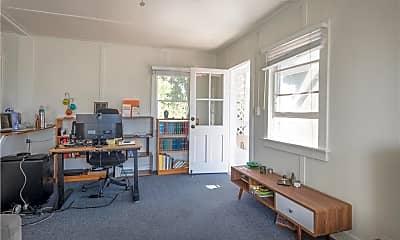 Living Room, 256 Center St, 1