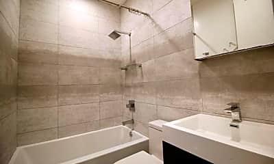 Bathroom, 565 Evergreen Ave, 2