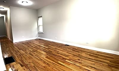 Living Room, 3904 W Armitage Ave, 1