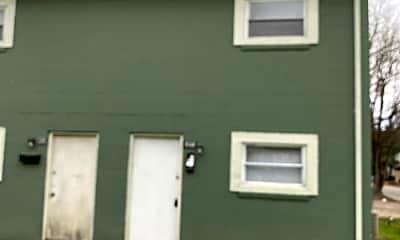 Building, 506 Bragg St, 2