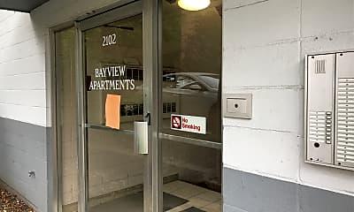 2102 University Avenue, 2