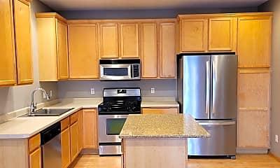 Kitchen, 15558 Eagle Ridge Rd 1305, 1
