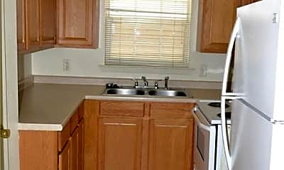 Kitchen, 401 Lake St 20, 1