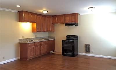 Kitchen, 645 Fairview Ave 18, 1