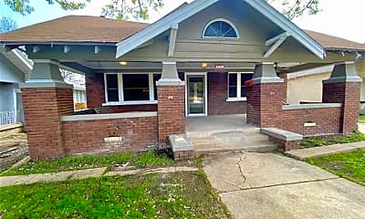 Building, 3333 Hemphill St, 1