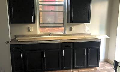Kitchen, 2207 Hawthorne Ave, 1