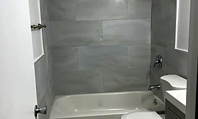 Bathroom, 700 SE 13th St, 2