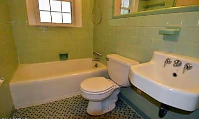 Bathroom, 2403 Slay Dr, 2