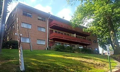 East Pines Terrace, 0