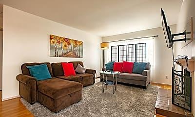 Living Room, 2901 Rollingwood Dr, 0