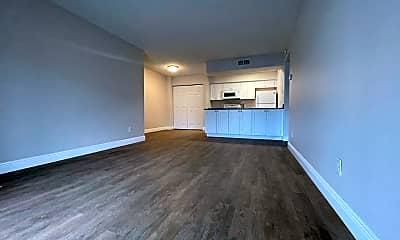 Living Room, 5301 Summerlin Rd, 1
