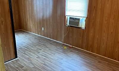 Living Room, 309 E Cedar St, 1