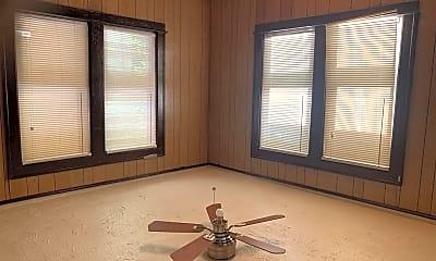 Bedroom, 2699 W Grand St, 2