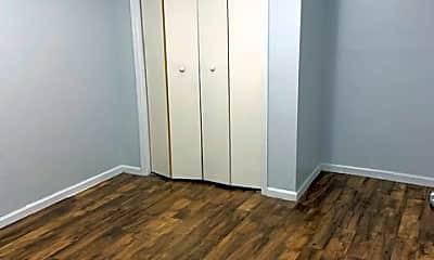 Bedroom, 925 Hawthorne St, 1